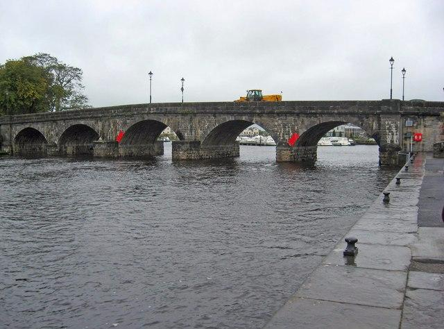 Photo of Two bodies recovered from Shannon