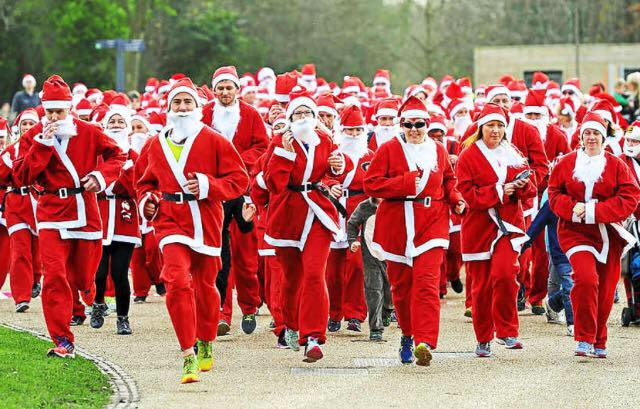 Photo of Santa Dash in Forest Park on Sunday