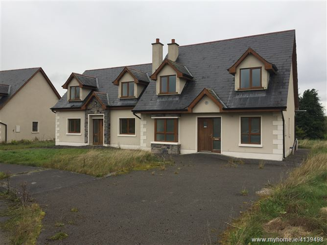 Photo of 12 houses for €250k in Cootehall