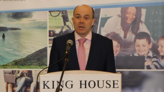 Photo of Call for Naughten resignation 'unlikely'