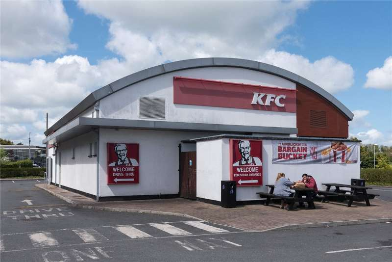 Photo of Roscommon KFC building to lease
