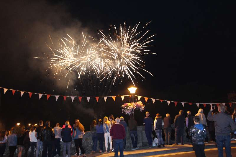 Photo of Great crowds for Fireworks display